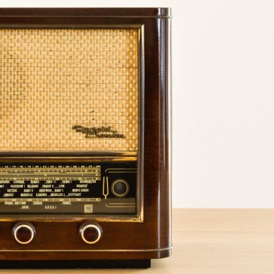 Charlestine, Radio Modell 'Ducretet Thomson L635 1955', restauriert und modernisiert