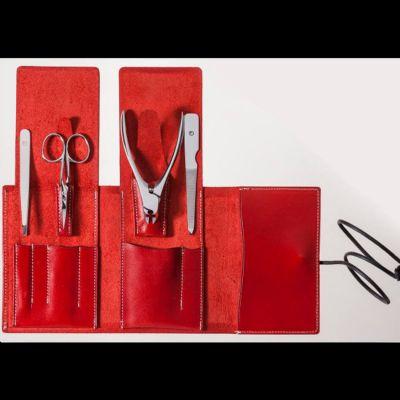 Suwada, Maniküre und Pediküre, hochwertiges Nagelpflegeset care4, hochglanzpolierte Oberfläche, in rotem Lederetui, handgearbeitet