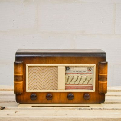 Charlestine, Radio Modell 'DSC4761-HD 1961', restauriert und modernisiert