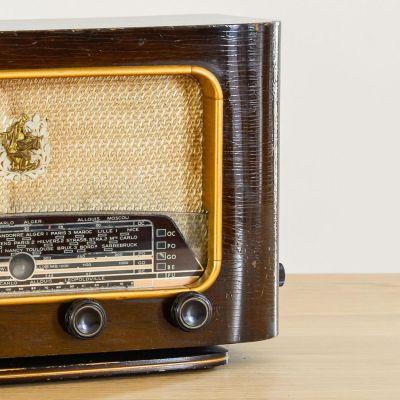 Charlestine, Radio Modell 'Serenade 1953', restauriert und modernisiert
