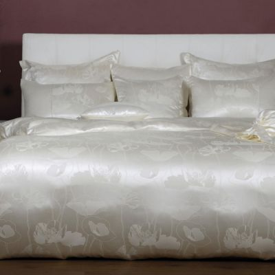 Plauener Seidenweberei, Bettwäsche aus 100% Seide, Design 'Adele nature'