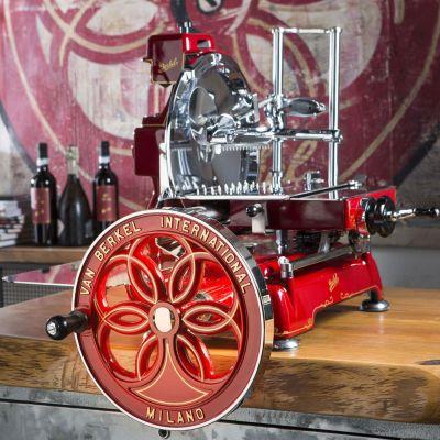 Berkel Aufschnittmaschine mit Schwungrad, Volano B114, Farbe rot