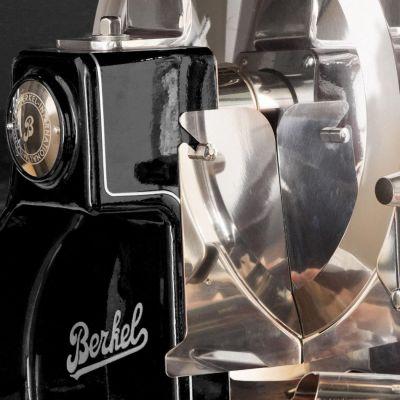 Berkel Aufschnittmaschine mit Schwungrad, Volano B3, Farbe schwarz