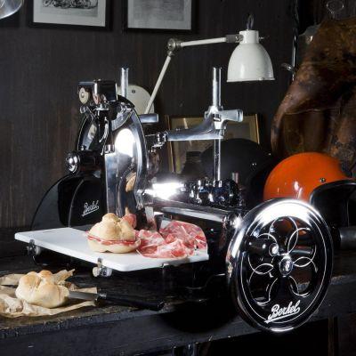 Berkel Aufschnittmaschine mit Schwungrad, Volano P15, Farbe schwarz