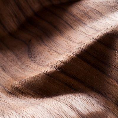 Cozi, Schale klein, Modell 'Wrinkles Square', amerikanische Walnuss mit hellem Korkboden