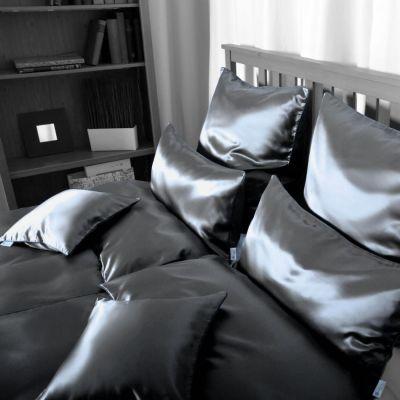 Plauener Seidenweberei, Bettwäsche aus 100% Seide, Design 'Helios marine'