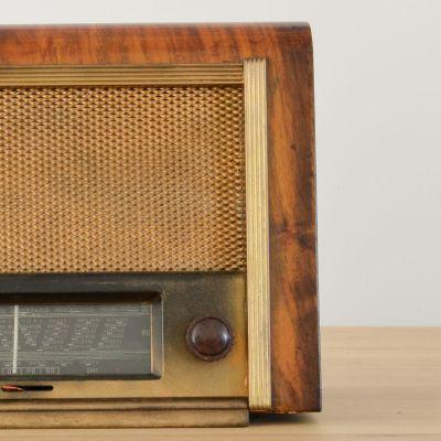 Charlestine, Radio Modell 'Manufrance S2 1948', restauriert und modernisiert