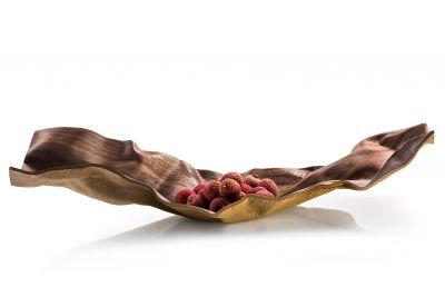 Cozi, Schale groß, Modell 'Wrinkles Square', amerikanische Walnuss mit hellem Korkboden