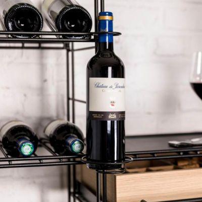 L'Atelier du Vin,  Vertikale Flaschenhalterung zur Präsentation