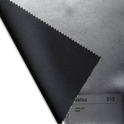 Plauener Seidenweberei, Spannbettlaken aus 100% Seide, Design 'Helios black'