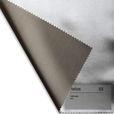Plauener Seidenweberei, Spannbettlaken aus 100% Seide, Design 'Helios iron'