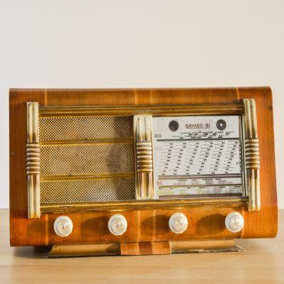 Charlestine, Radio Modell 'Bayard-51 1951', restauriert und modernisiert